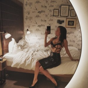Marie-liliane female live escort & thai massage