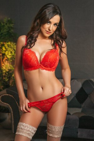 Octavie nuru massage, escort girl