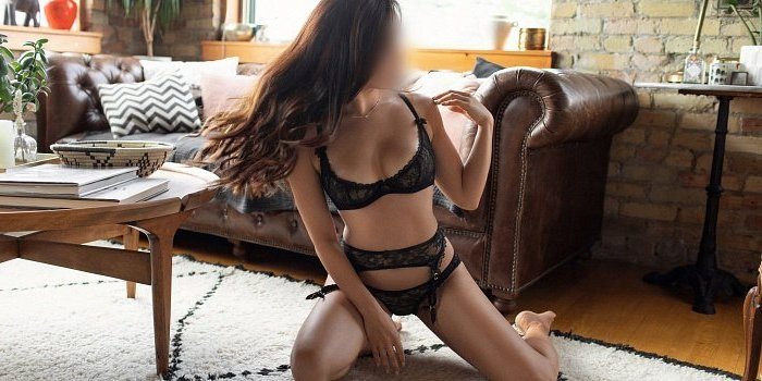 happy ending massage in Hoffman Estates, female escort girl