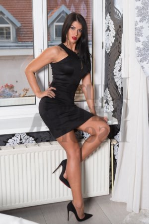 Yolina escort, happy ending massage