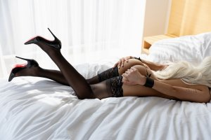 Roselaine female escort girls in Oregon, massage parlor